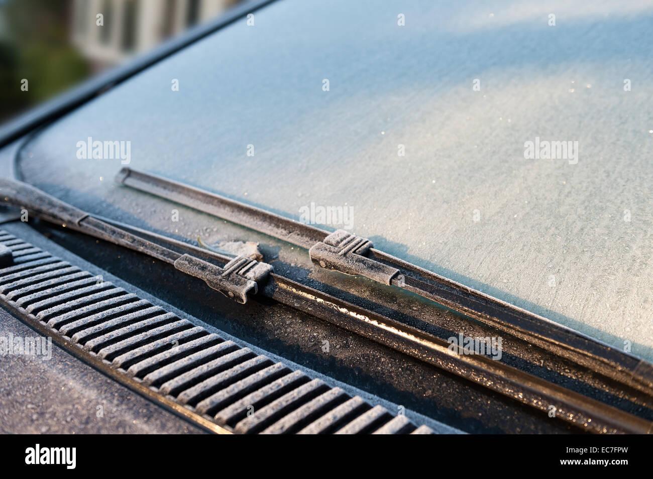 kalter Morgen fehlgeschlagenen Auto Batterie Motor startet nicht ...