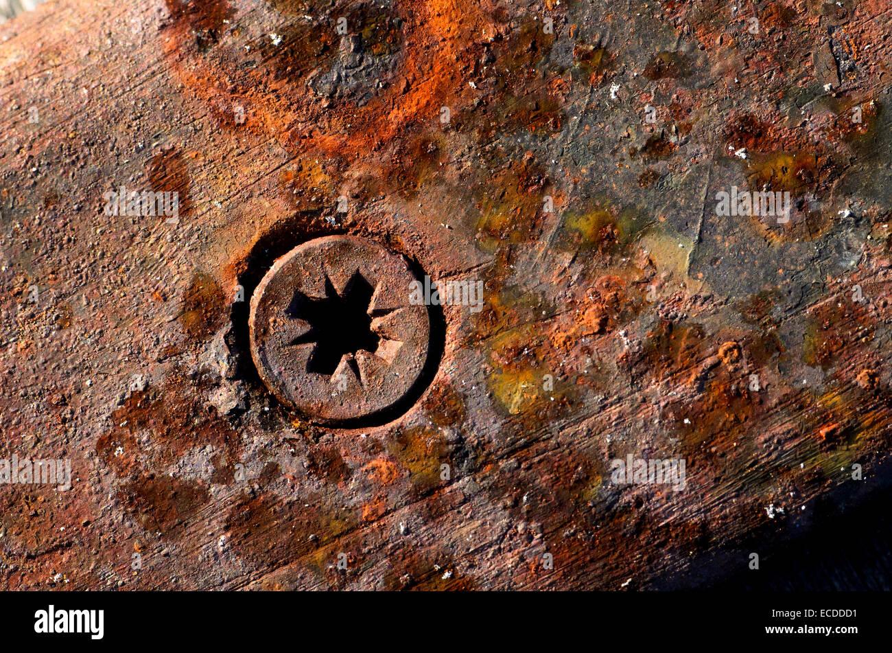 Metal plate bolt stockfotos metal plate bolt bilder alamy for Blumenkubel rostigem metall