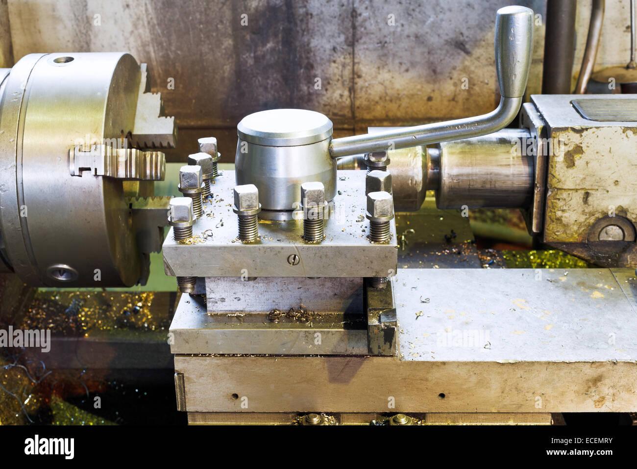Spindeln Der Metallbearbeitung Drehmaschine In Dreherei Stockfoto