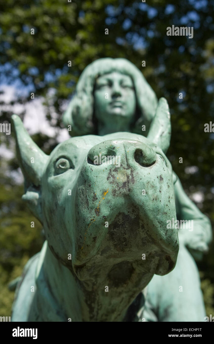 Europa, Deutschland, Niedersachsen, Soegel, Jagdschloss Clemenswerth, Skulptur Im Klostergarten Stockbild