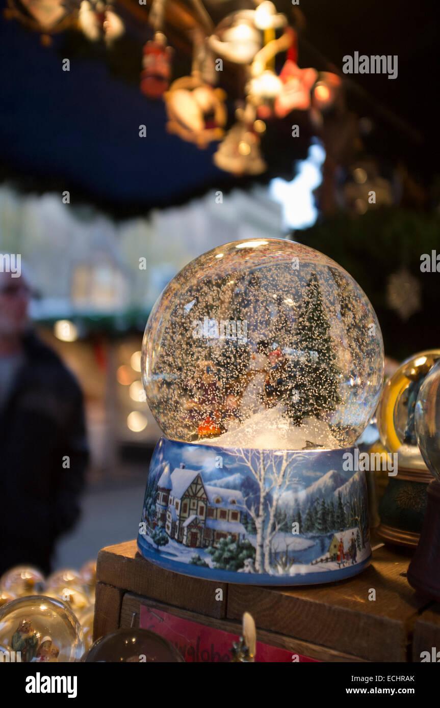 Snow Globes Stockfotos & Snow Globes Bilder - Alamy