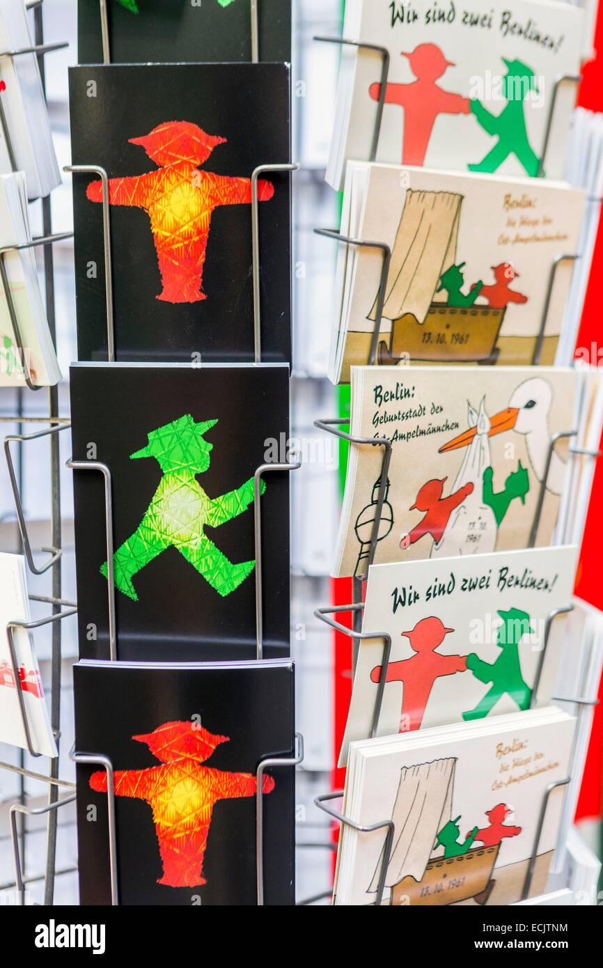Deutschland, Berlin, Ost-Berlin, Hackescher Höfe Shop bei Effegie Bonhome von Ampeln in der ehemaligen DDR Ampelmänner Stockfoto