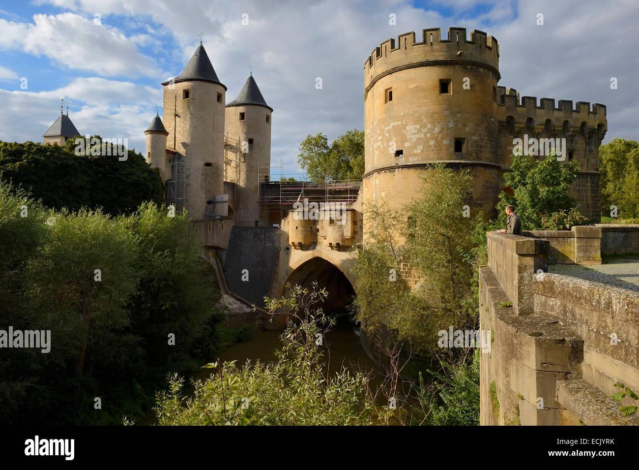 Frankreich, Moselle, Metz, Porte des Allemands (deutschen Tor) auf dem Fluss Seille ist ein Überbleibsel der Stockbild