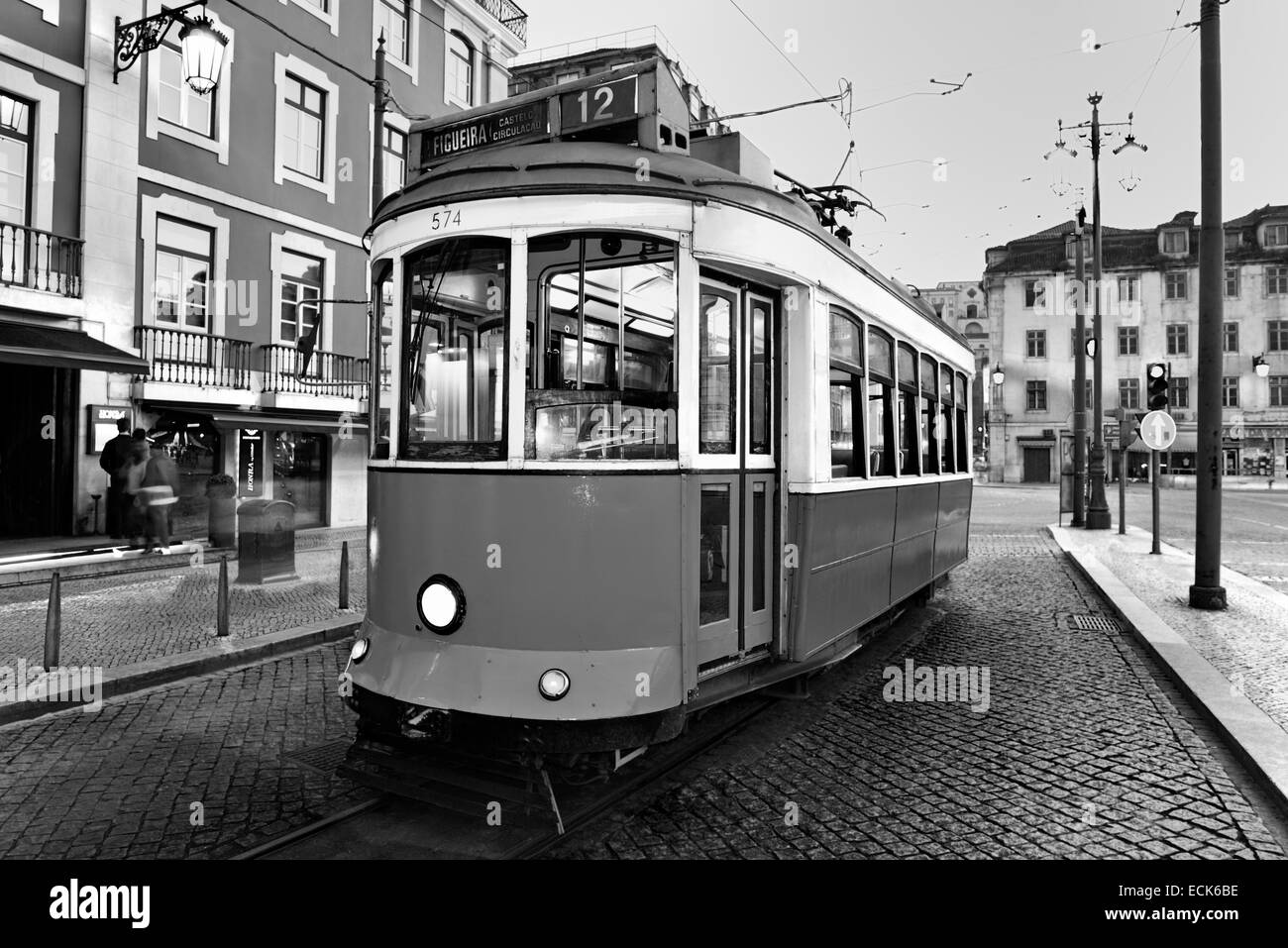 Portugal black and white stockfotos portugal black and - Fliesenmuster schwarz weiay ...