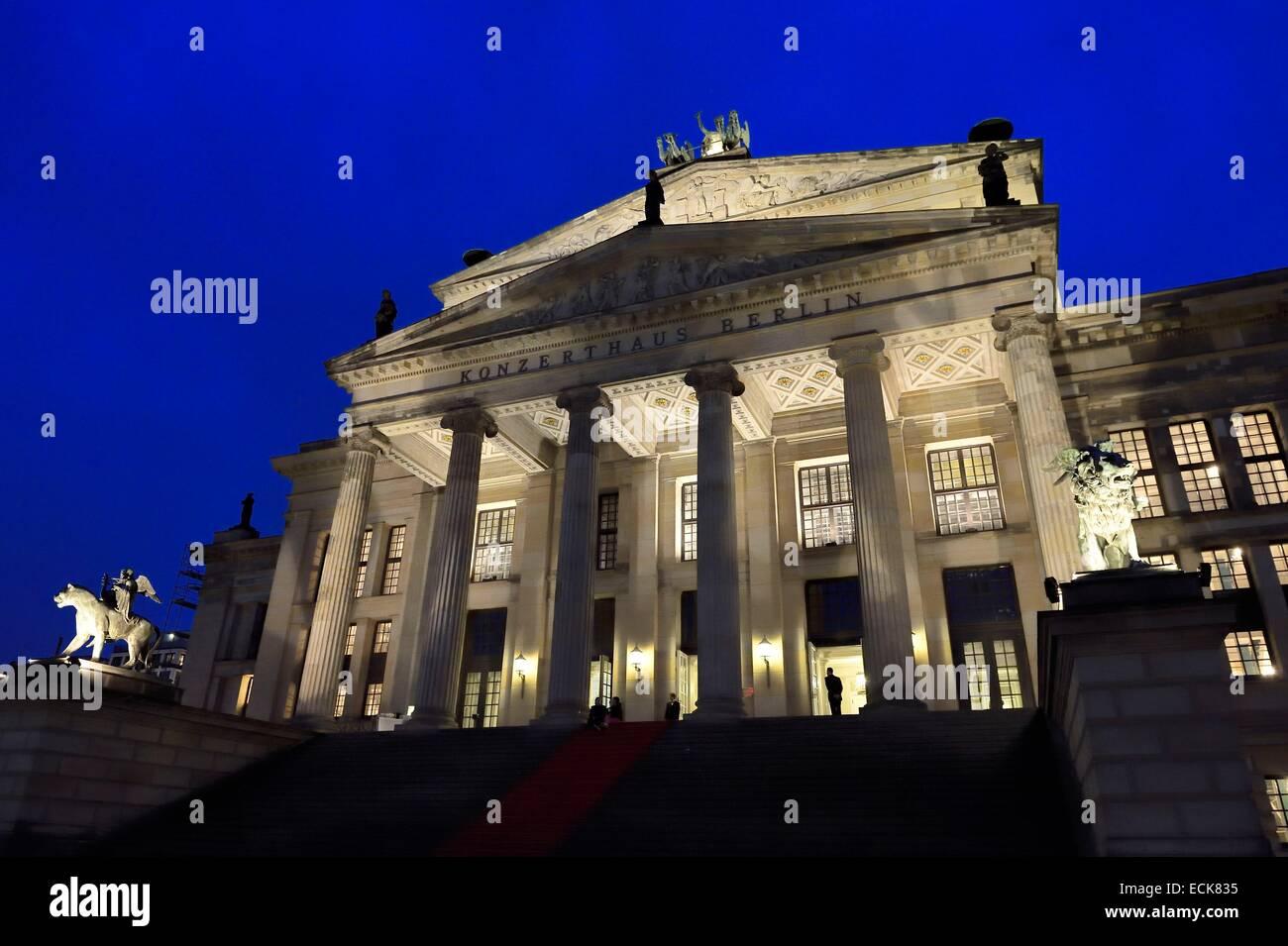 Deutschland, Berlin, Bezirk Mitte, Gendarmenmarkt, das Theater Schauspielhaus (Konzerthaus) Stockfoto