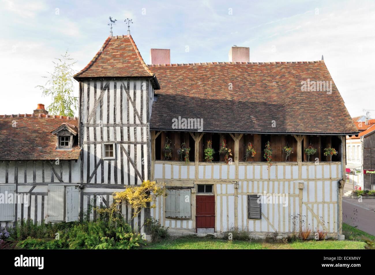 Frankreich, sagte Aube, Chavanges, typische Holzrahmen Haus aus dem ...