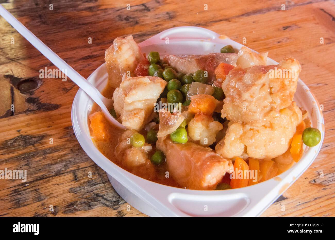 Bergen Norwegen wunderbare Meeresfrüchtesuppe mit Curry in BRYGGEN outdoor Cafe Stockbild