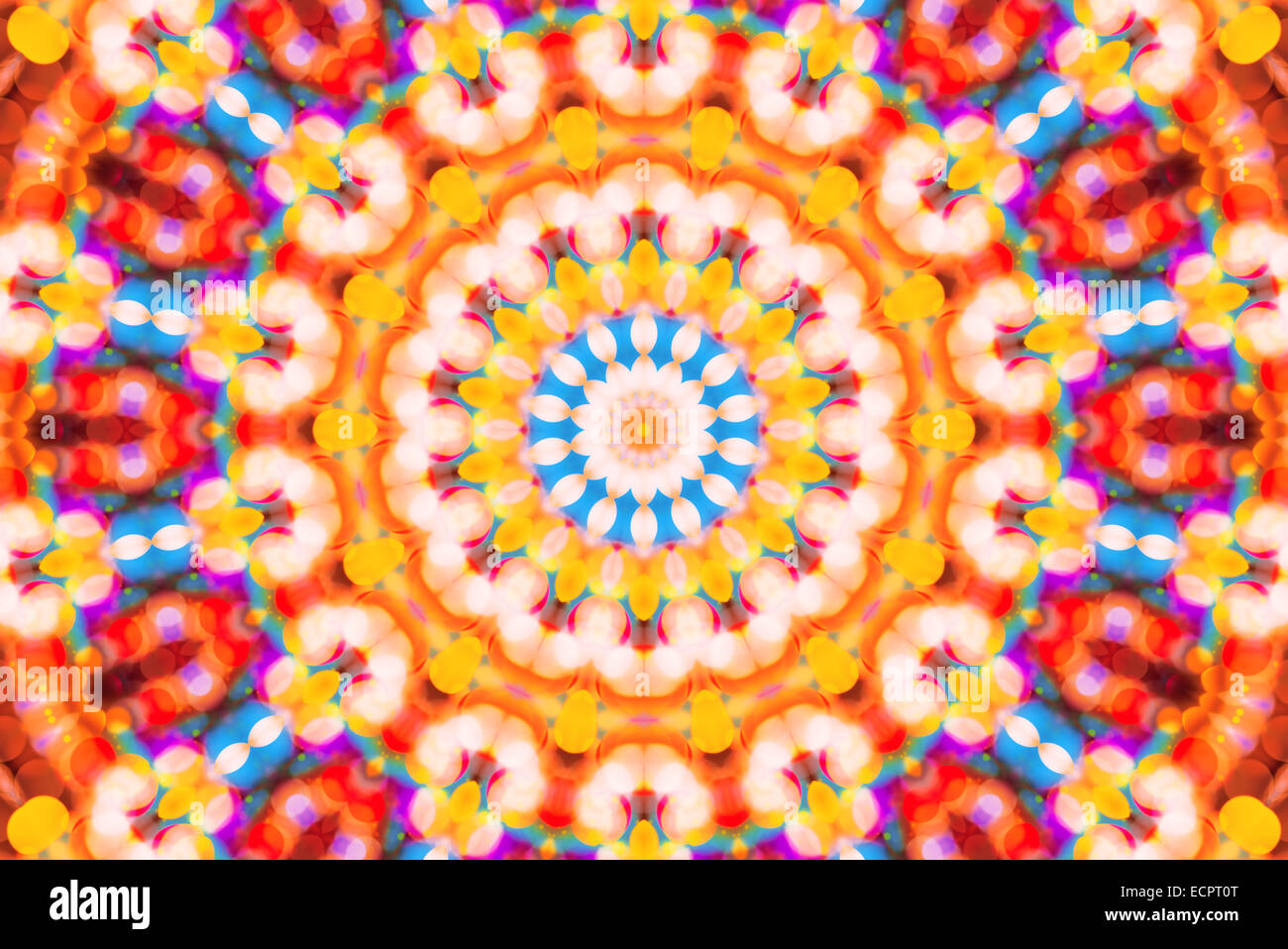 Schön unscharf gestellt bunten Bokeh festliche Lichter im Kaleidoskop als abstrakte Urlaub Feier Hintergrund Stockfoto
