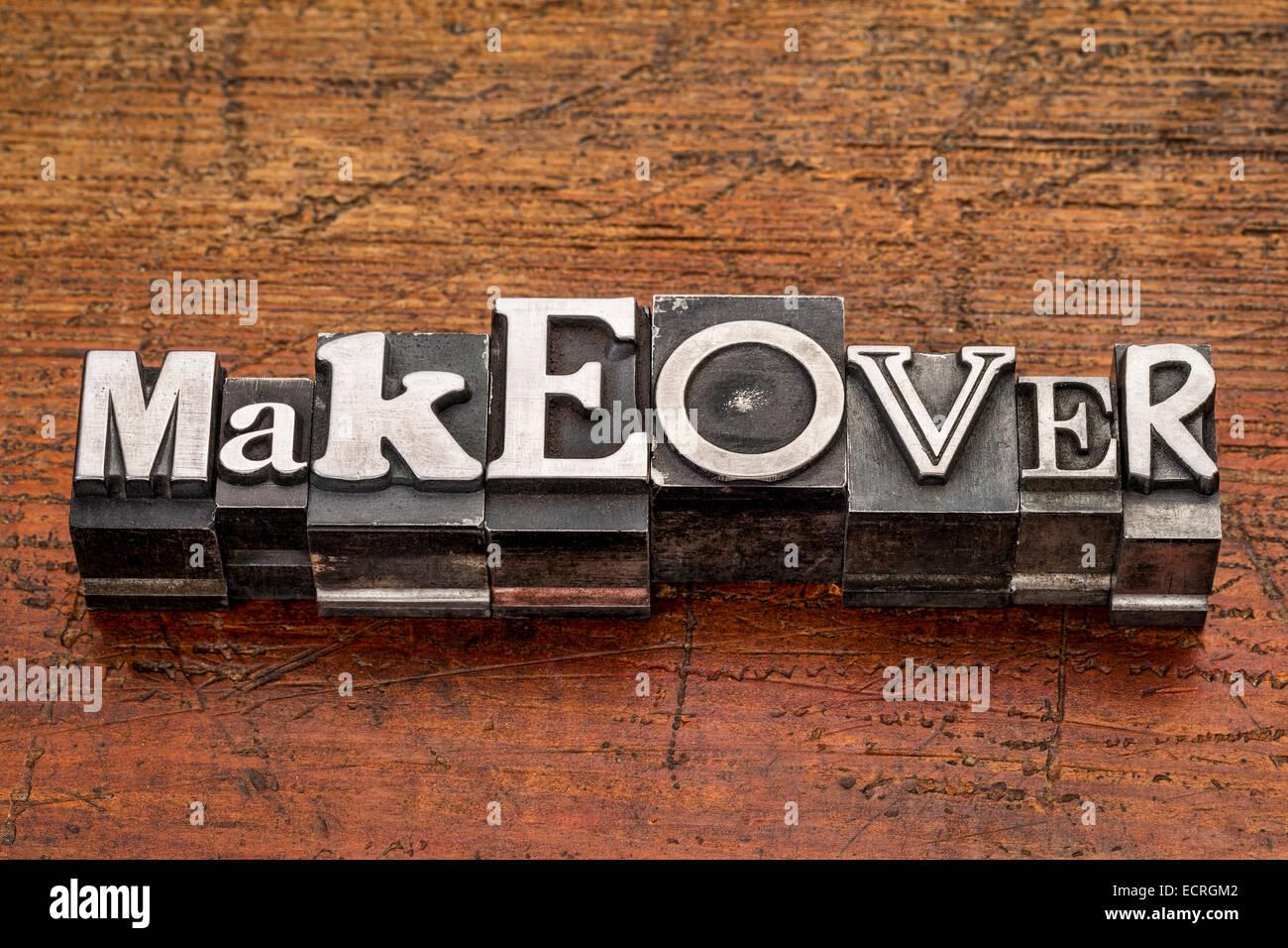 Verjüngungskur Wort in Vintage Metall Mischtyp Druckstöcke über Grunge Holz Stockbild