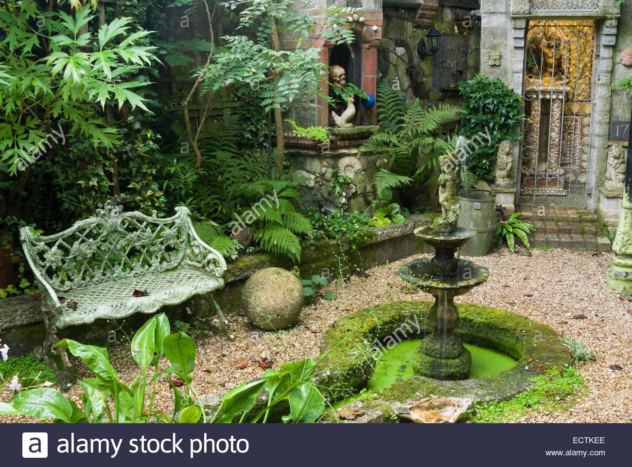 Schattenliebende Pflanzen versunkene garten befindet sich eine shell grotte baujahr 2001