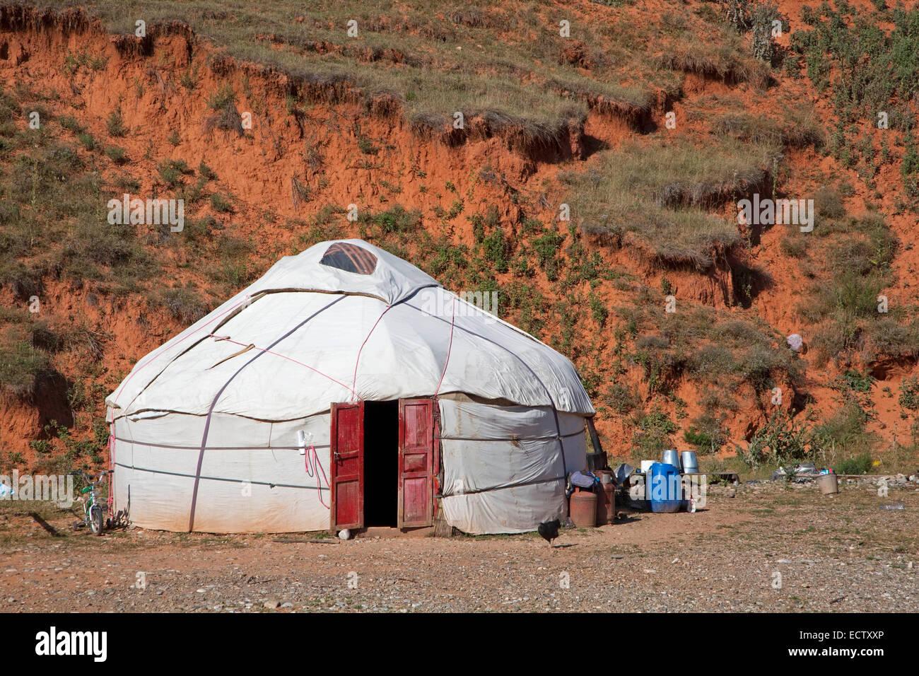 Kirgisische Jurte, temporäre Sommer Nomaden wohnen in den Bergen in der Provinz Osch, Kirgisistan Stockbild