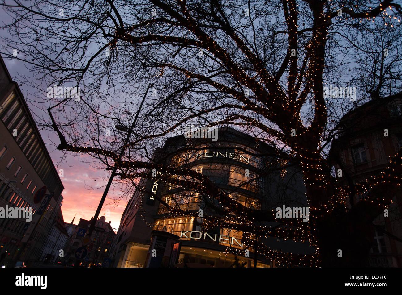 Größter Tannenbaum Deutschlands.Größter Weihnachtsbaum Deutschlands Stockfotos Größter