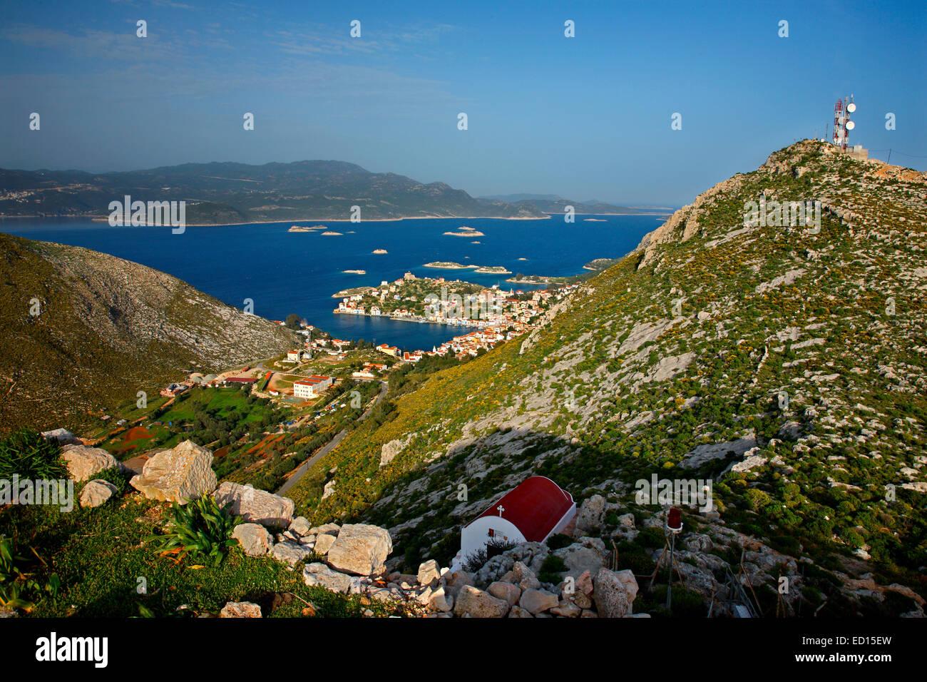 """Panoramablick auf das malerische Dorf von Kastellorizo (oder """"Meghisti"""") Insel, Dodekanes, Griechenland Stockfoto"""