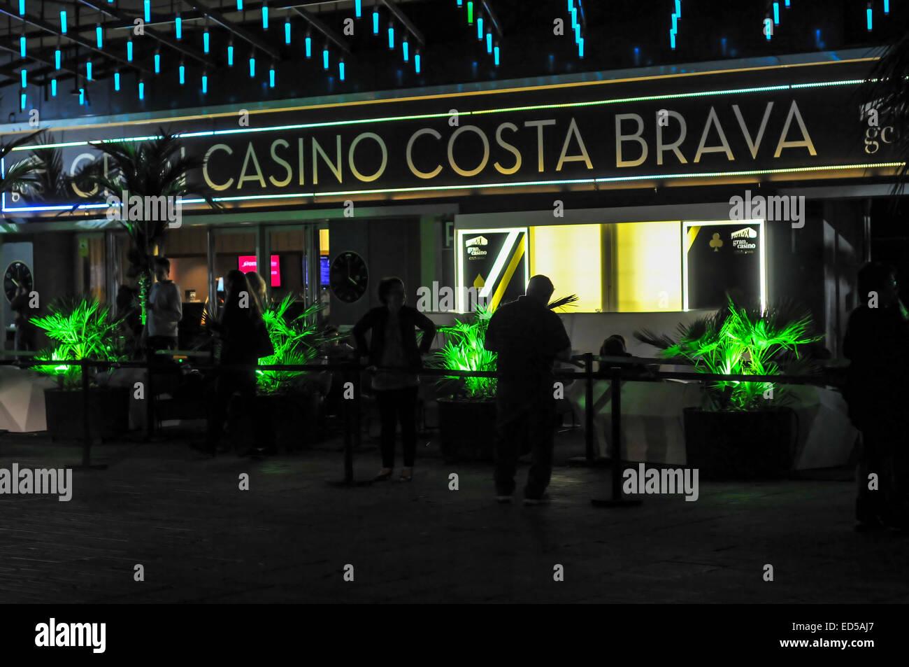 Casino-Eingang bei Nacht, mutig Costa, Spanien Stockbild