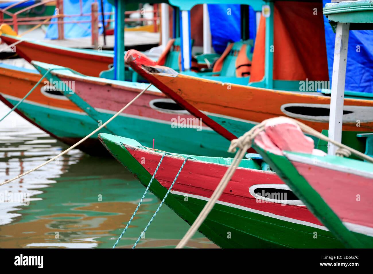 Holzboote am Thu Bon Fluss, Hoi an, Vietnam Stockbild
