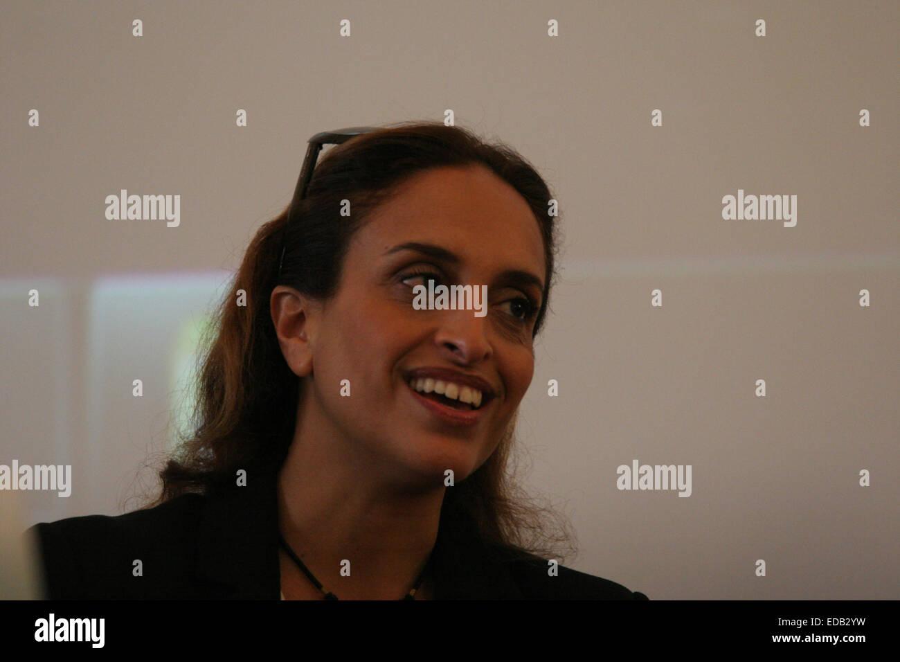 Israelische Sängerin Noa im Rahmen einer Pressekonferenz präsentiert ...