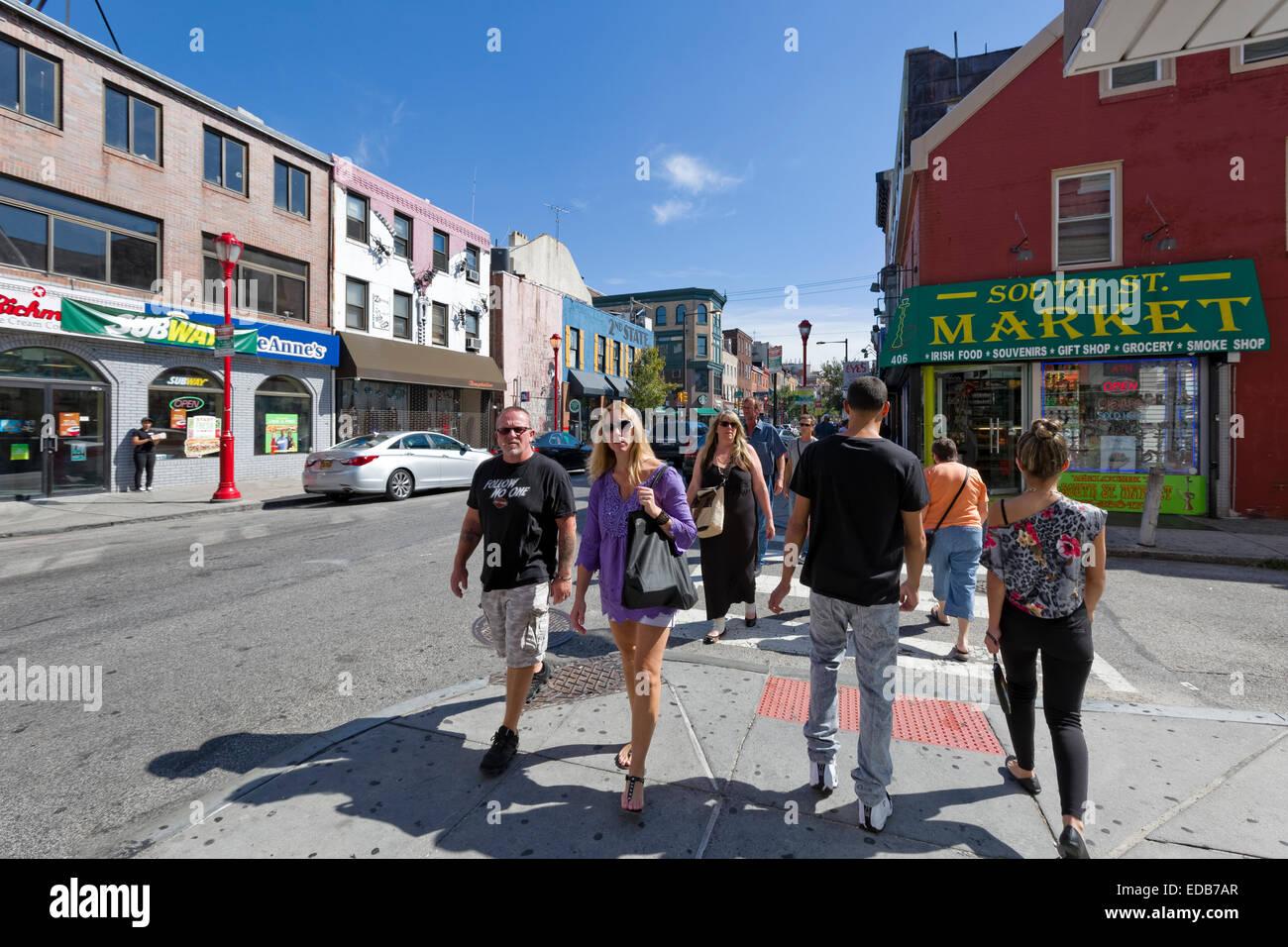 Touristen auf South Street, Philadelphia, Pennsylvania Stockbild