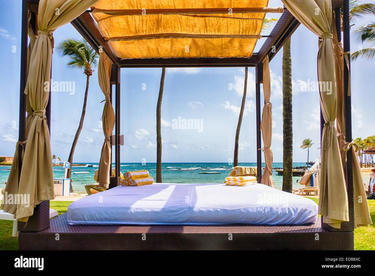Cabana Zelt auf einer Karibik-Strand, San Juan, Puerto Rico Stockbild