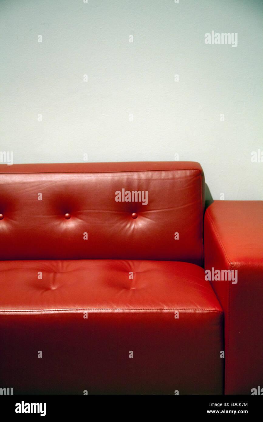 Rote Ledercouch Stockbild
