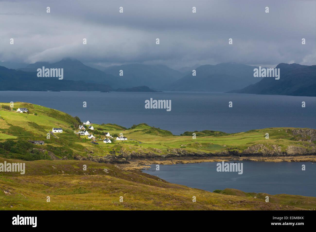 Häuser und Hütten von Sound of Sleat Isle Of skye Stockbild