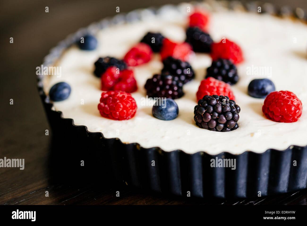 Berry und Mascarpone Torte Stockbild