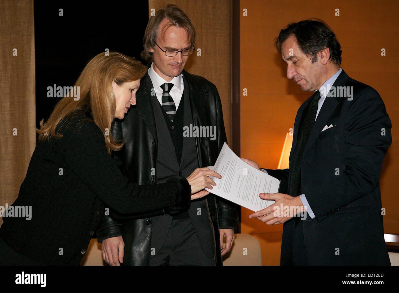 Tokio, Japan. 9. Januar 2015. (L, R) Lucy Birmingham, Richard Lloyd Parry, Thierry Dana, (L, R) Lucy Birmingham Stockfoto