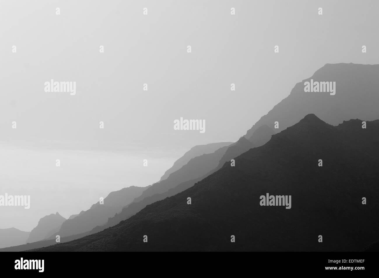 schroffe Berge Hügeln felsige Landschaft Landschaften Silhouette Silhouetten vulkanischen magmatischen Rock Stockbild