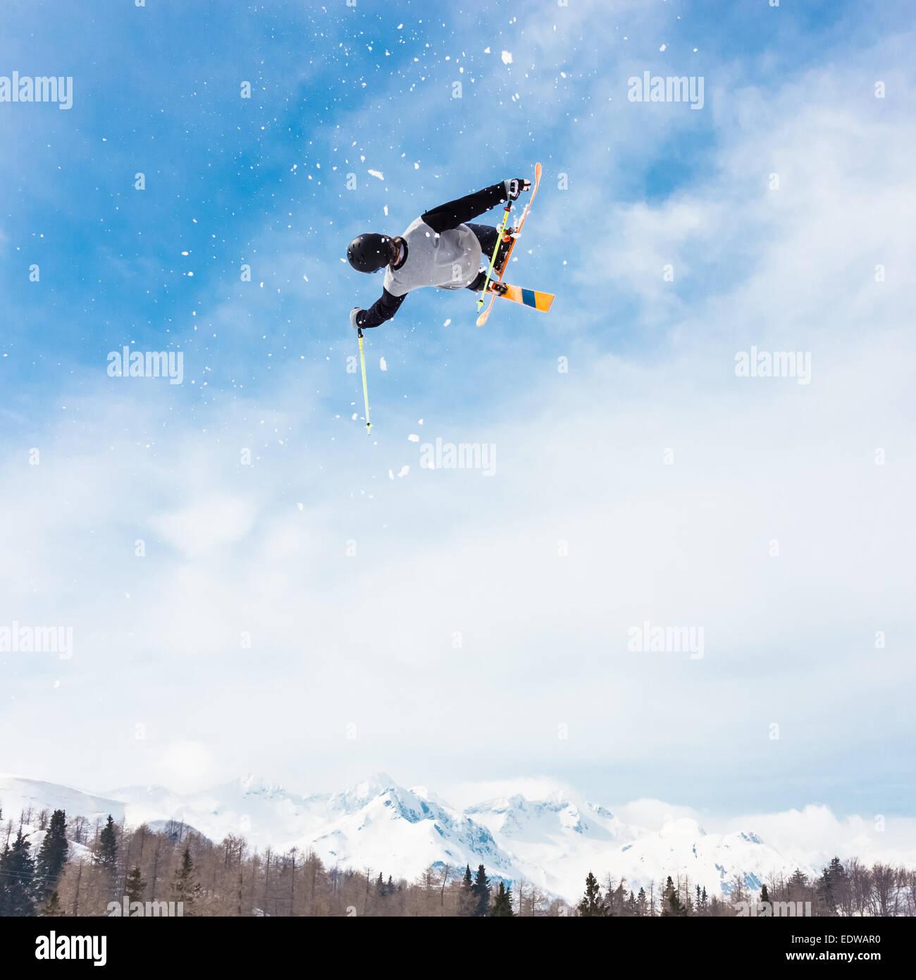 Freestyle-Skifahrer. Stockbild