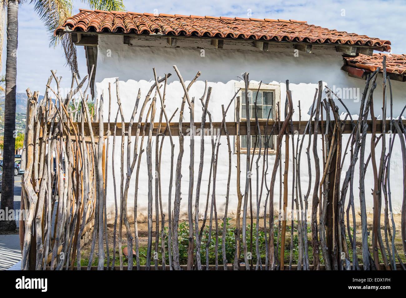 Ein Zaun Gebaut In Der Historischen Spanischen Methode Mit Asten Um