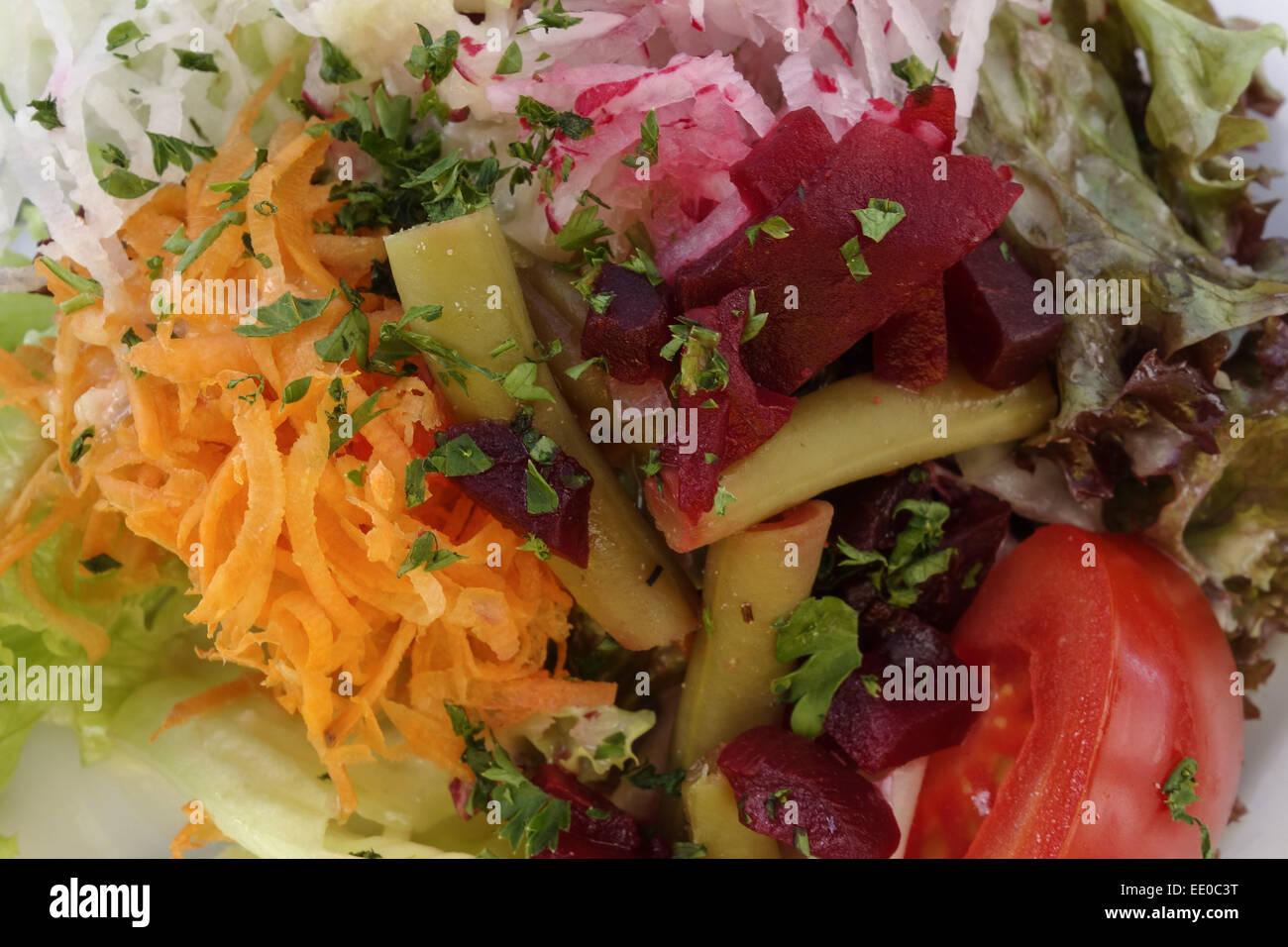 Gemischter Salat, rialhaft, gemischter Salat, rohes Gemüse, Ernährung, Salat, Mixed, gesund, Platten, Stockbild
