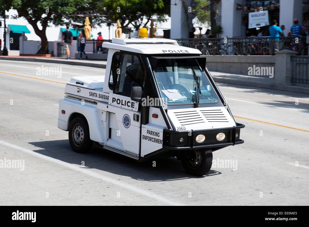 Polizei-Elektrofahrzeug auf State Street, Santa Barbara, Kalifornien Stockbild