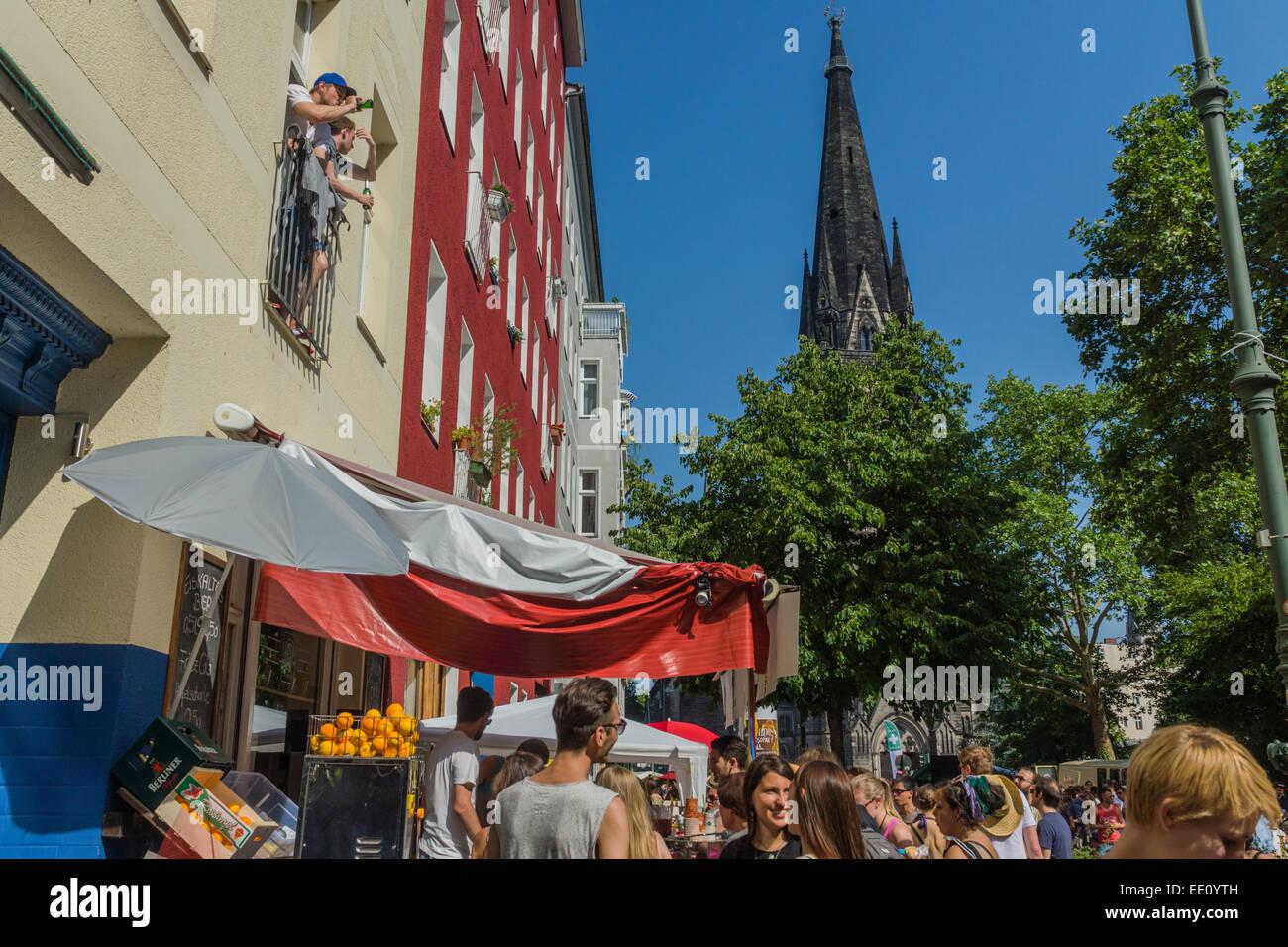 """Jährliche Straßenparade """"Karneval der Kulturen"""" durch Kreuzberg, Berlin, Deutschland Stockbild"""