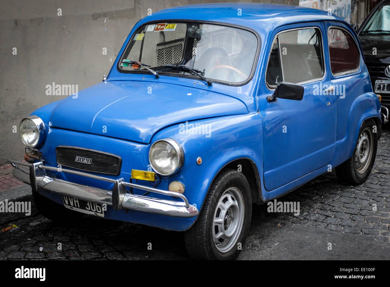 old blue fiat 500 car stockfotos old blue fiat 500 car bilder alamy. Black Bedroom Furniture Sets. Home Design Ideas