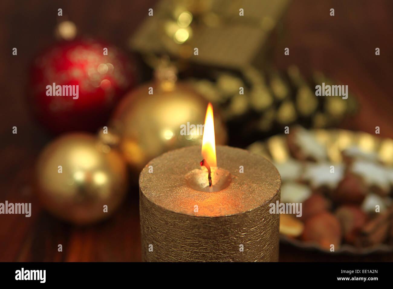 weihnachtsstimmung kerzenlicht stockfoto bild 77476525. Black Bedroom Furniture Sets. Home Design Ideas