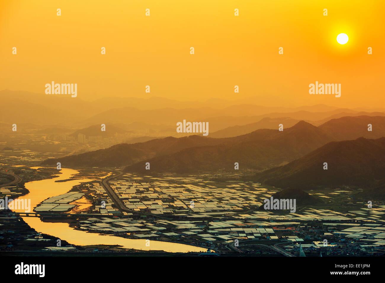 Sonnenuntergang über der Stadt, Busan, Südkorea, Asien Stockbild