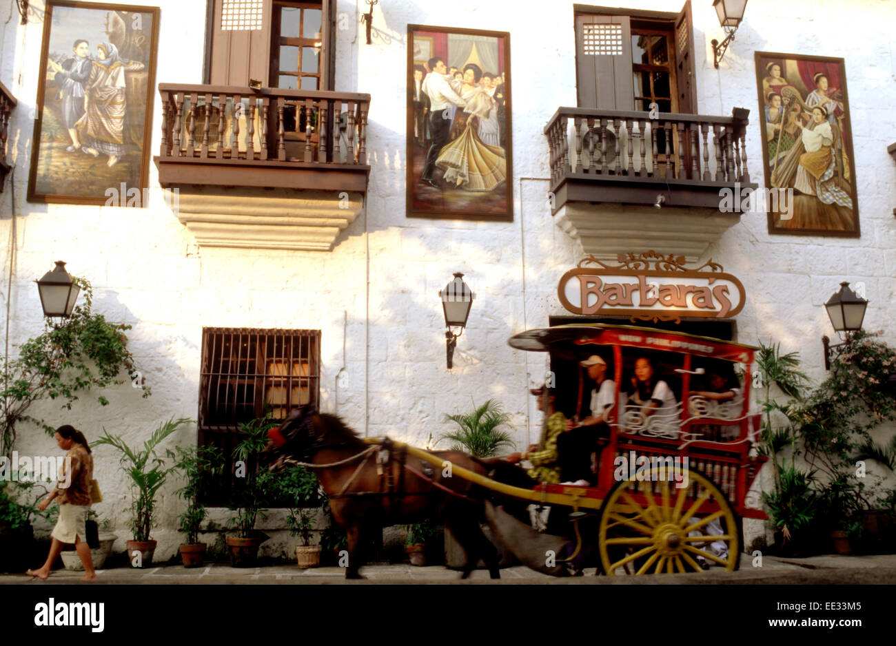 Kalesa fahren, Buggy Pferdekutsche und großen Hotels in Malate ...