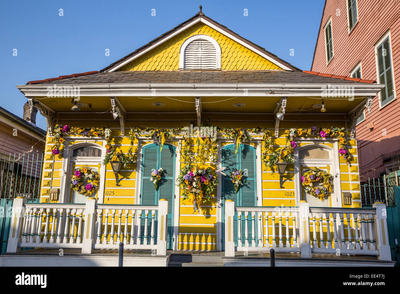 french quarter new orleans flowers stockfotos french quarter new orleans flowers bilder alamy. Black Bedroom Furniture Sets. Home Design Ideas