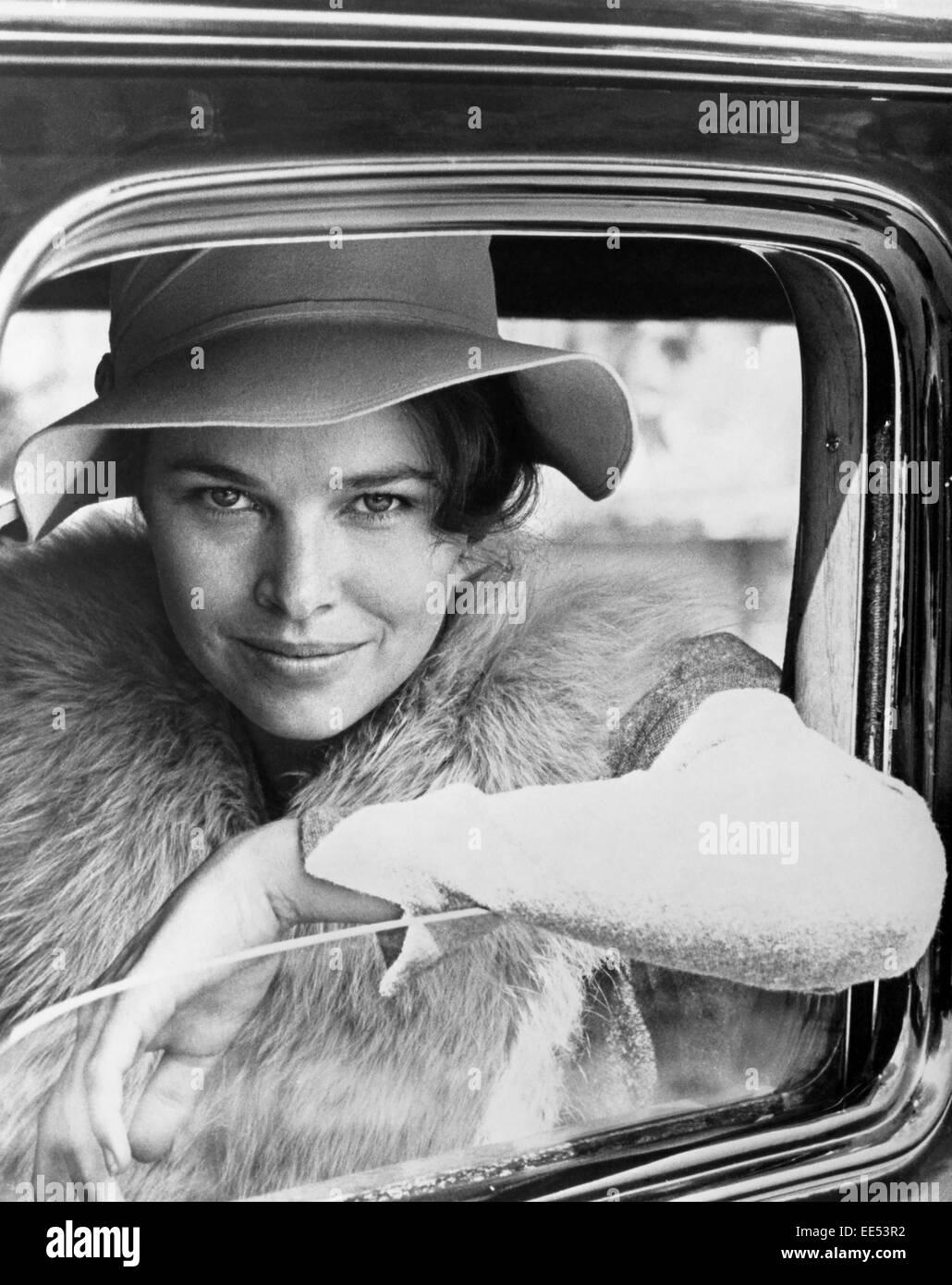 """Michelle Philips am Set des Films """"Dillinger"""", 1973 Stockbild"""