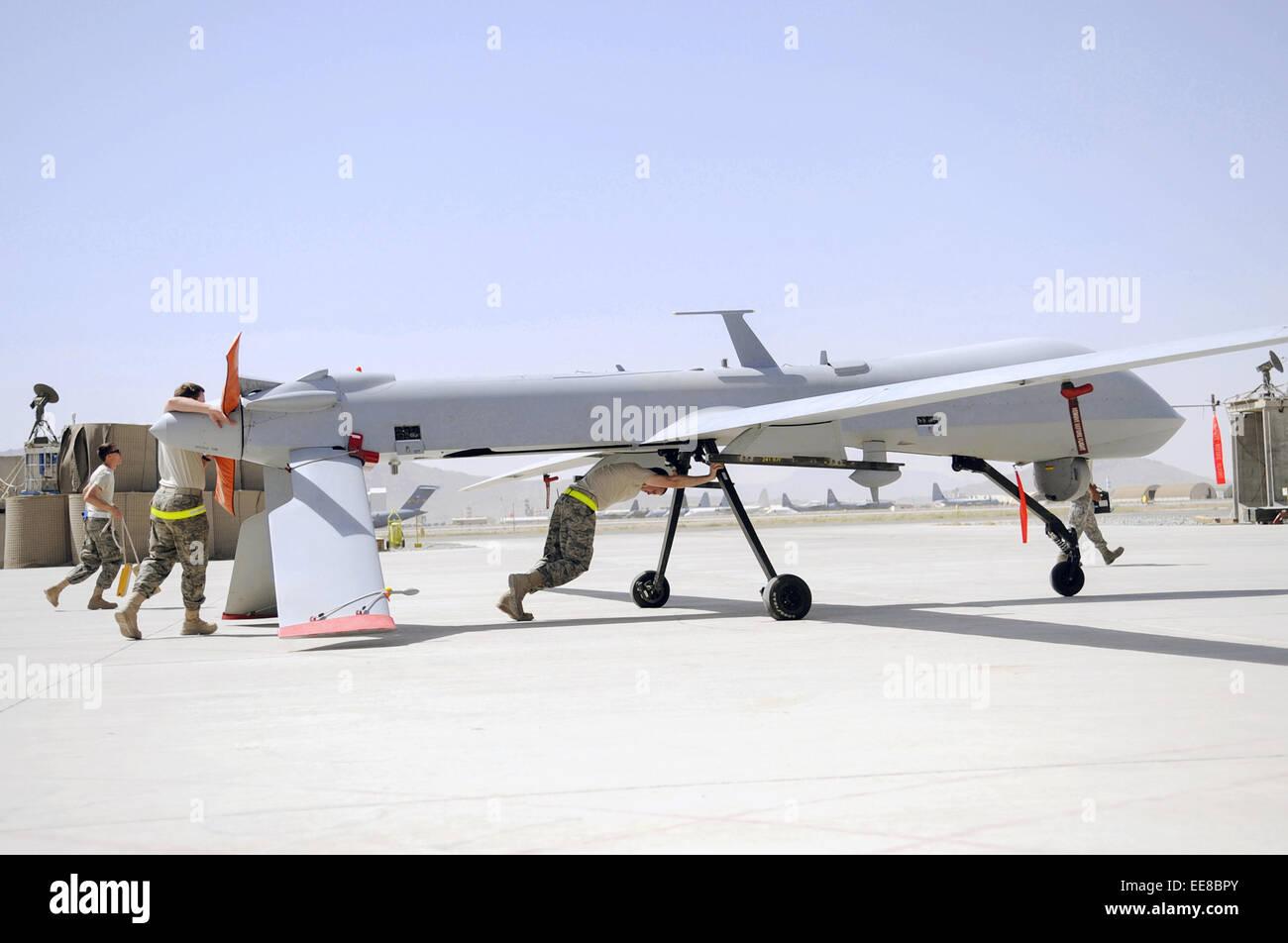 Mq 1 Predator Drohne Gedrangt Einen Hangar Fur Die Routinemassige
