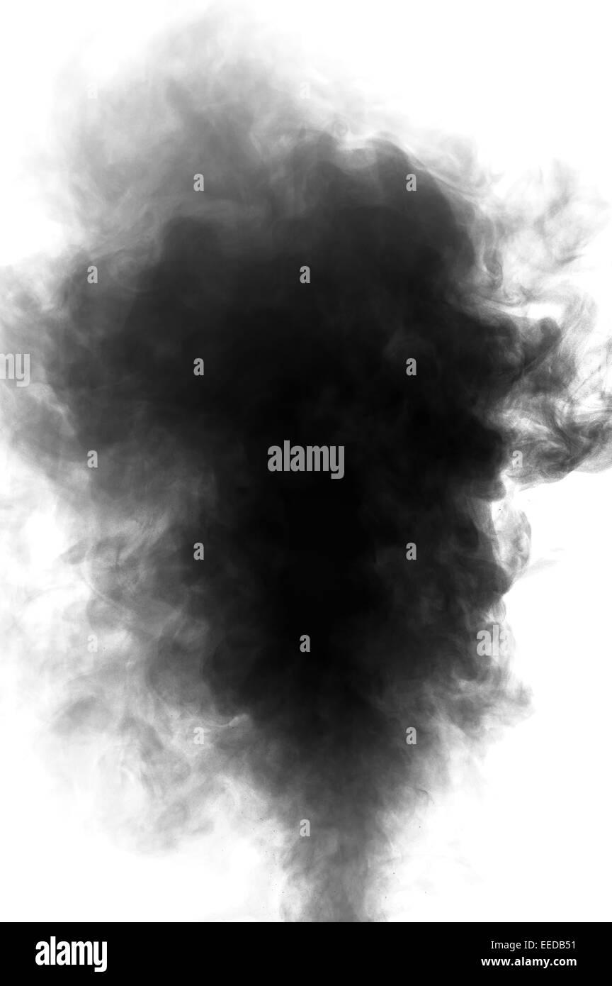 Schwarzen Dampf sah aus wie Rauch isoliert auf weißem Hintergrund. Große schwarze Rauchwolke. Stockbild