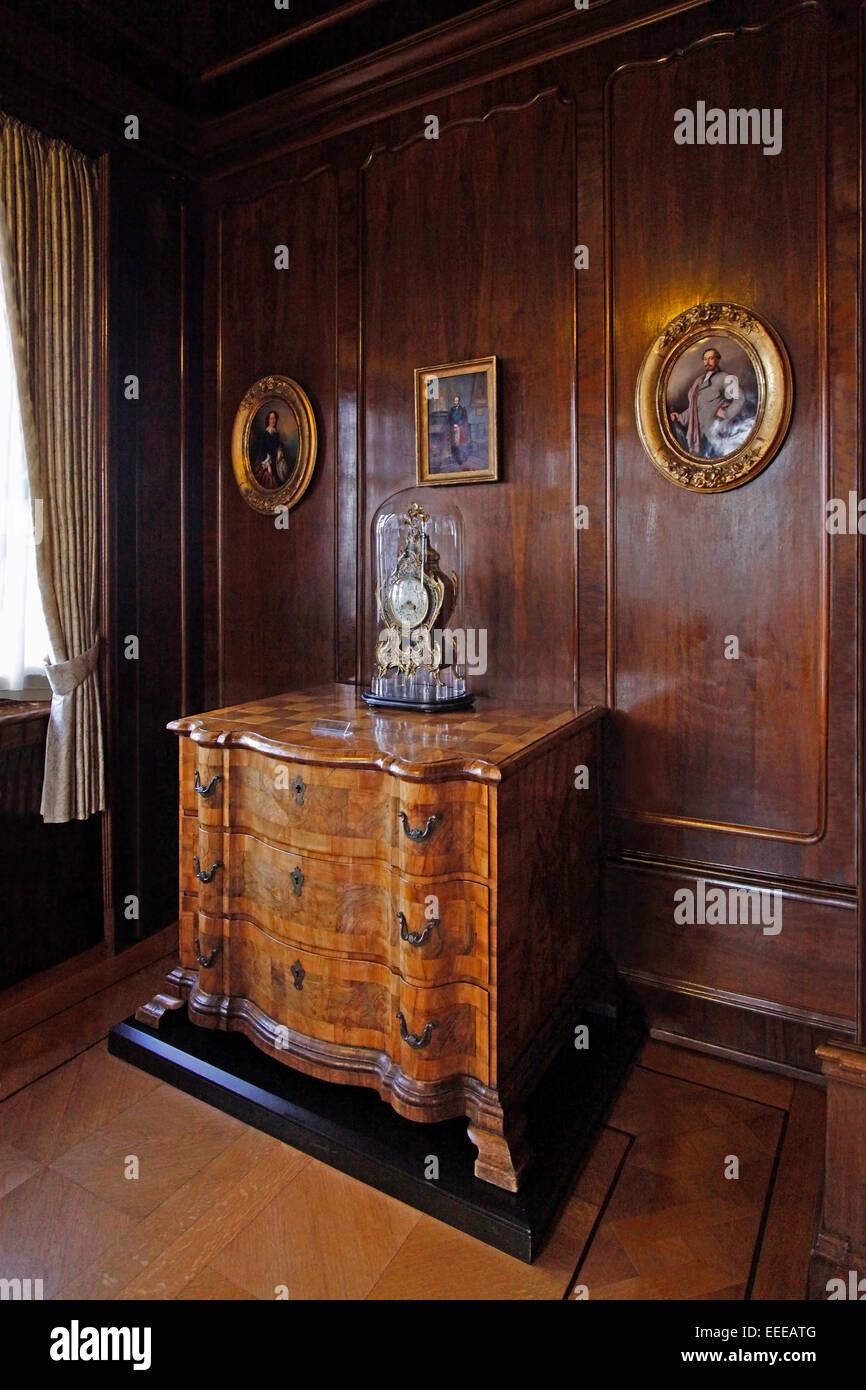 Der Duchess S Salon Ist In Der Neo Rokoko Stil Mit Seinen