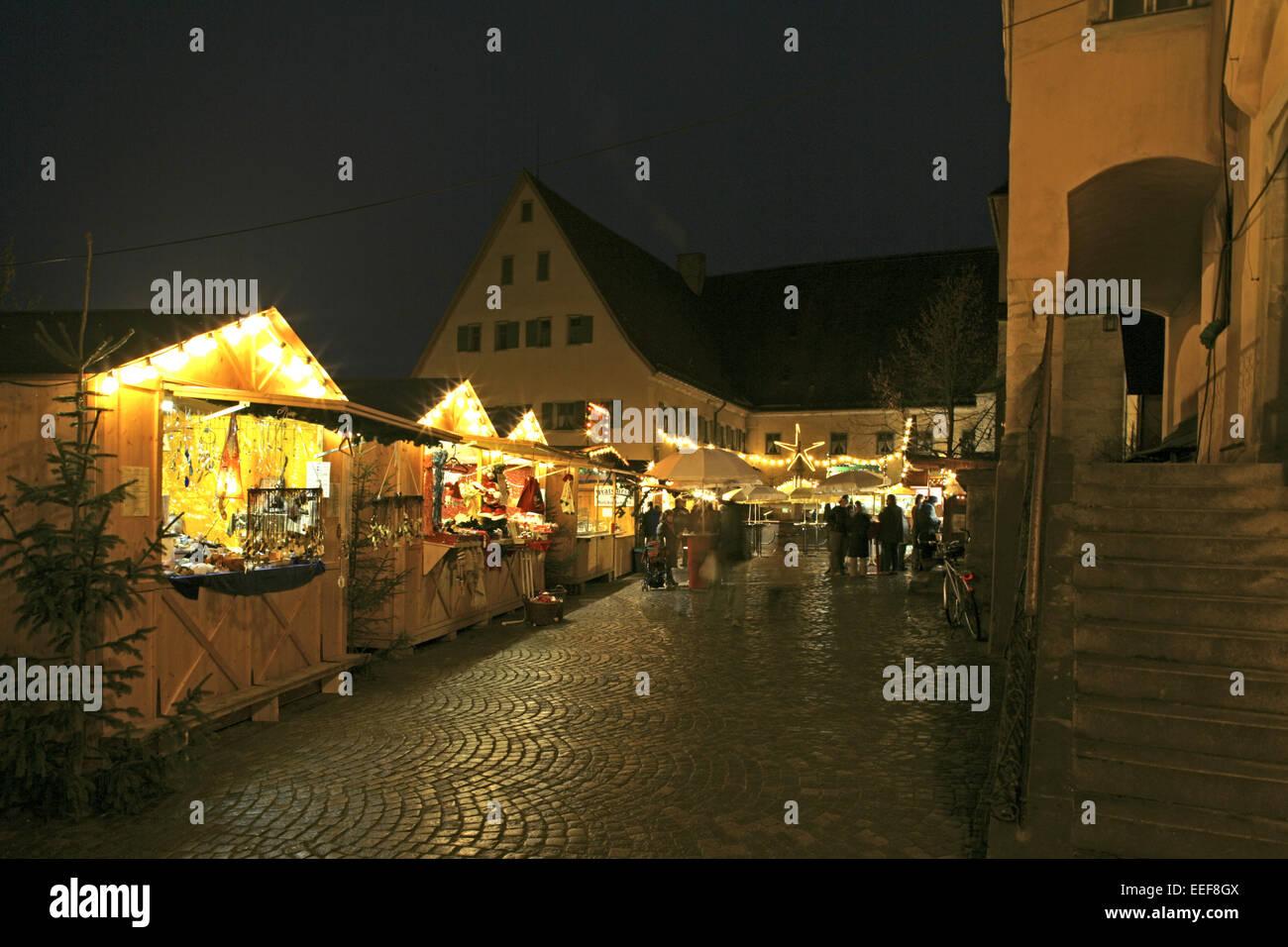deutschland dinkelsb hl dinkelsb hl weihnachtsmarkt abend bayern adventszeit weihnachtszeit. Black Bedroom Furniture Sets. Home Design Ideas