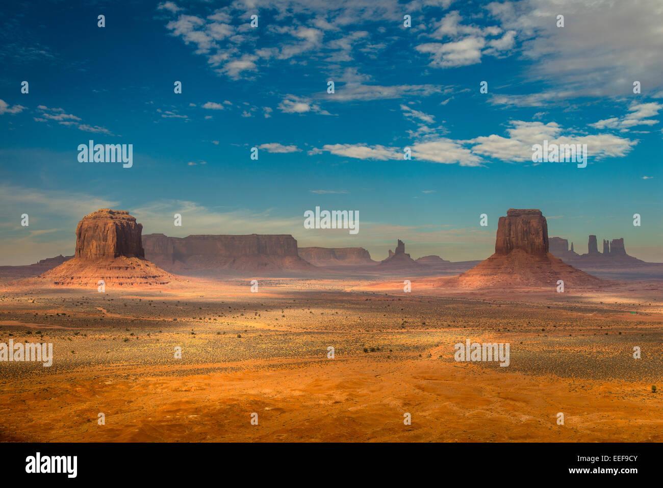 Panoramablick vom Punkt des Künstlers, Monument Valley Navajo Tribal Park, Arizona, USA Stockbild