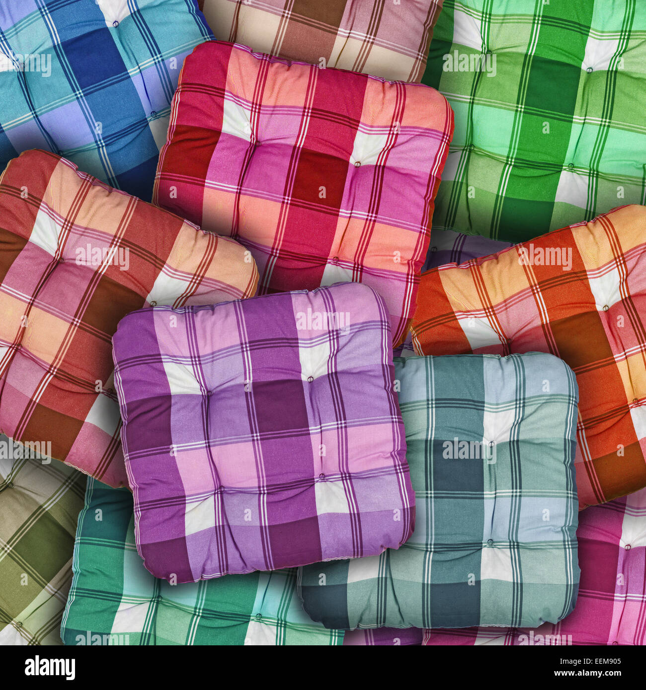 Pile Of Cushions Stockfotos & Pile Of Cushions Bilder - Alamy