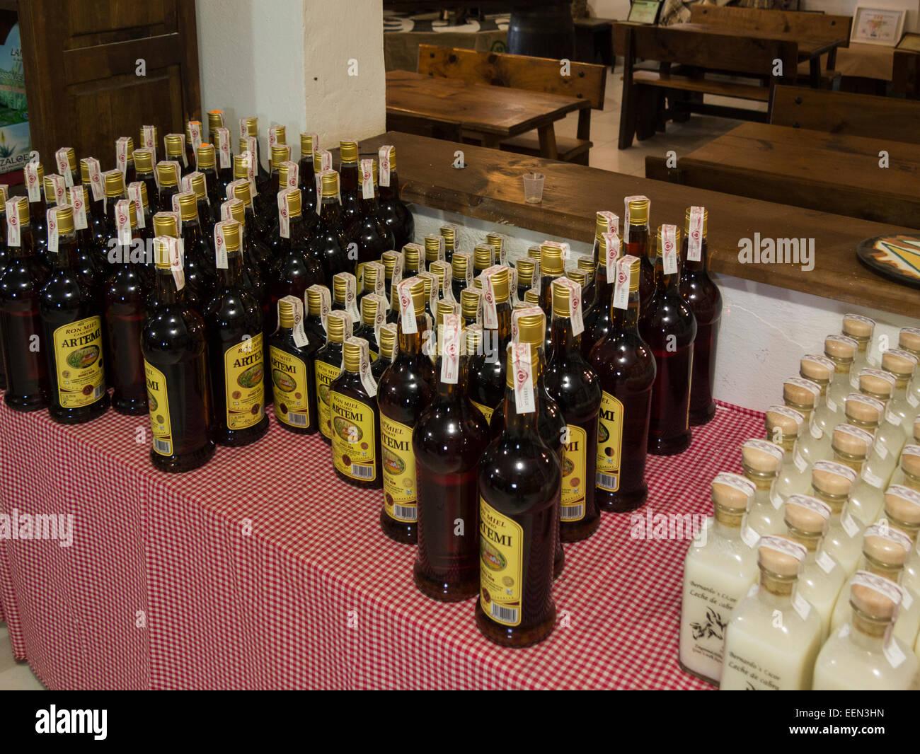Honigrum und Ziegenmilch Produkte verkauft am berühmten Käse Molkerei Schaf- und Ziegenhalter Bauernhof Stockbild