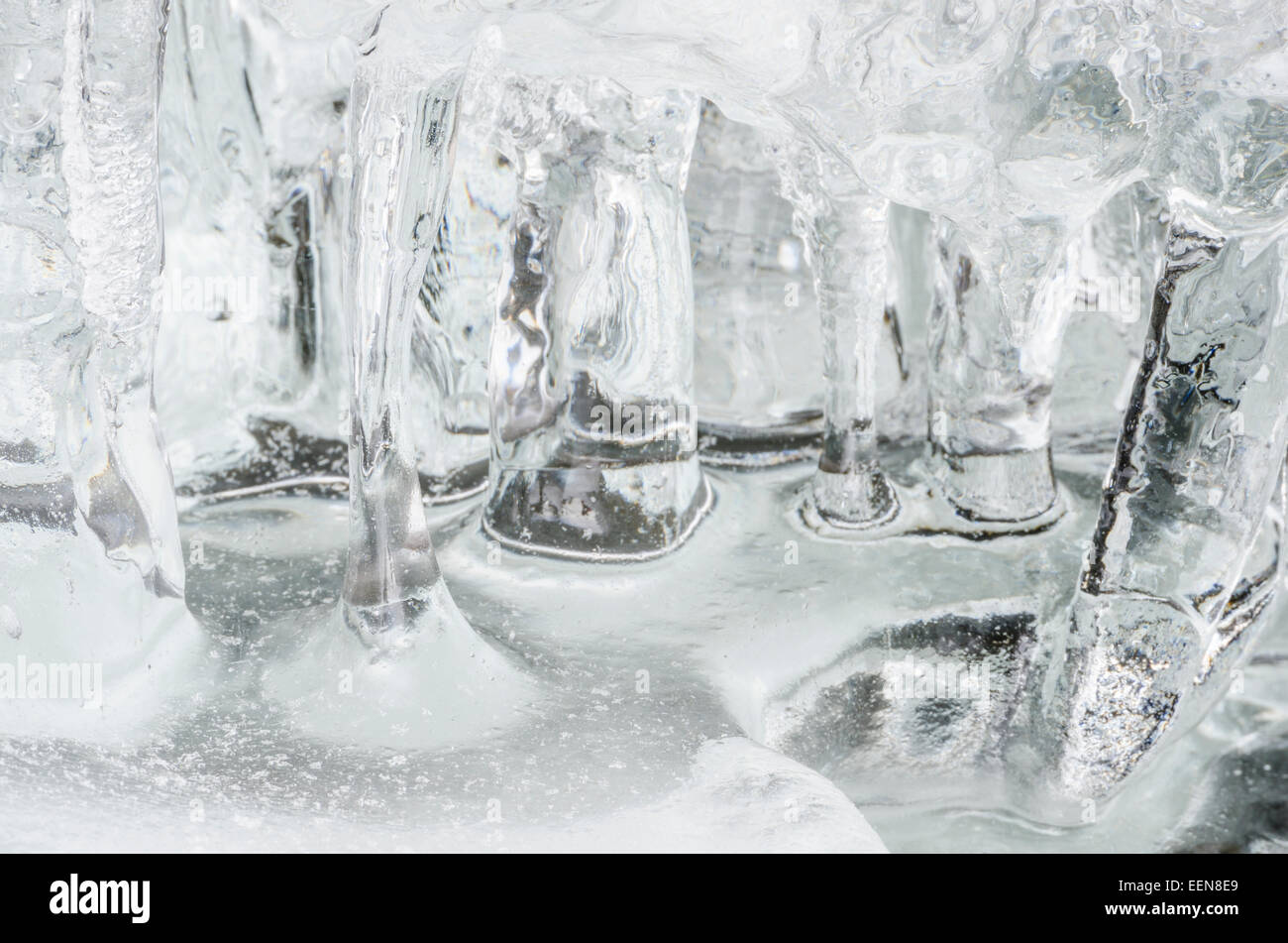 Eisstrukturen ein Einem Bach, Atndalen, Hedmark Fylke, Norwegen, Maerz 2012 Stockbild