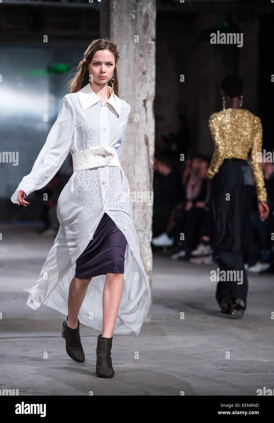 Berlin, Deutschland. 20. Januar 2015. Modelle zeigen Mode von Bobby ...