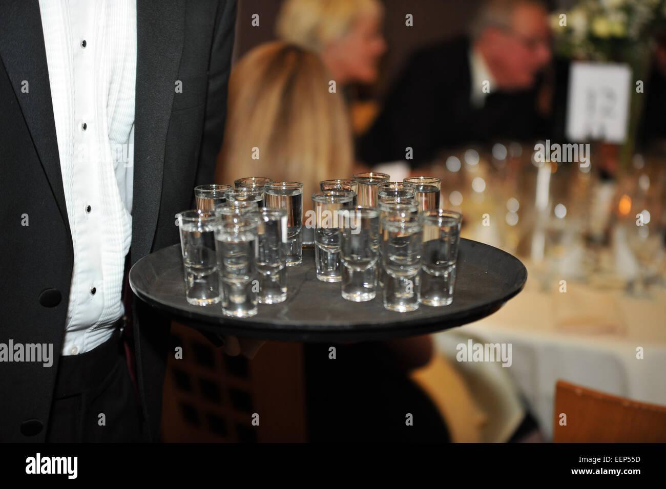 Trinkkultur im Vereinigten Königreich, Wodka Shots, Party-Drinks. Stockbild