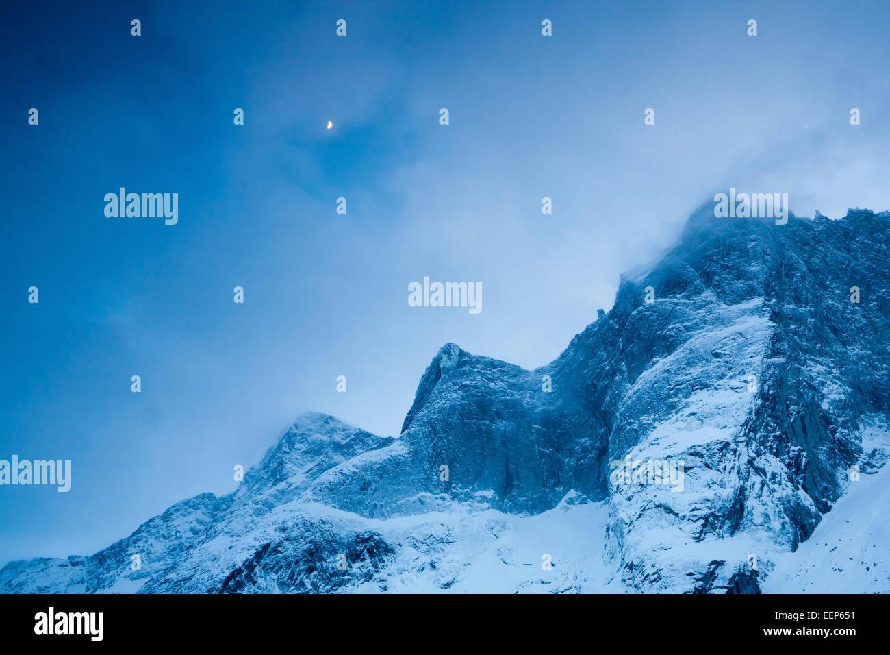 Winternacht im Tal Romsdalen, Rauma Kommune, Møre Og Romsdal Fylke, Norwegen. Stockbild