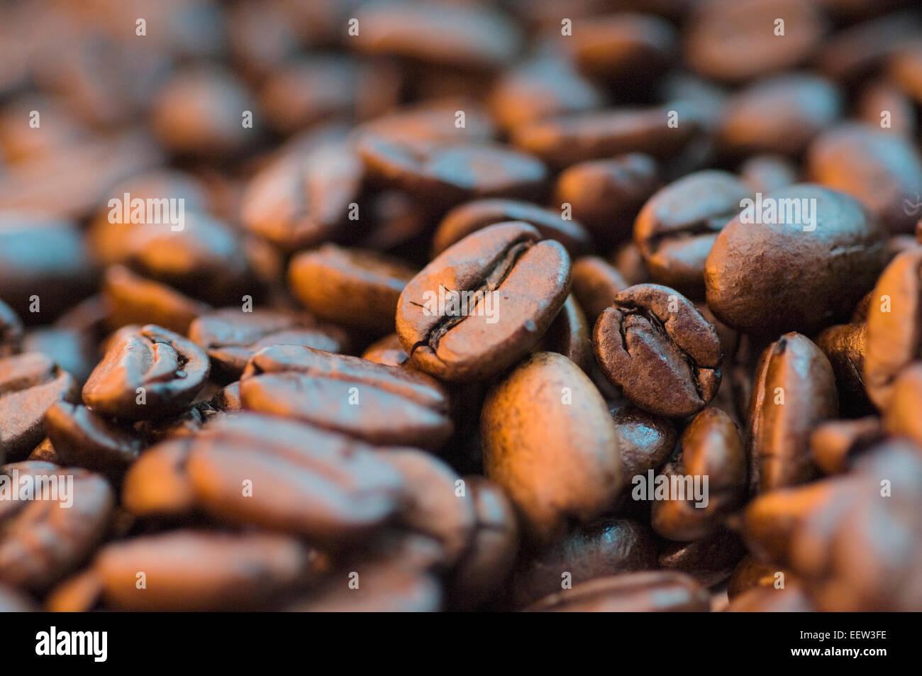 espresso bohnen stockfoto bild 77998242 alamy. Black Bedroom Furniture Sets. Home Design Ideas